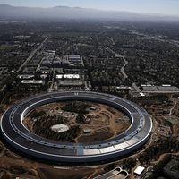 Nagyjából kész az Apple új központja, itt van egy percben az építkezés