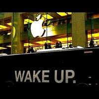 Apple Store előtt tüntetni menő?