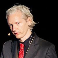 A WikiLeaks alapítója szerint az iPhone-osok megszívták