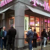 A T-Mobile elkezdte árulni az iPhone 5-öt az USA-ban: SOROK!