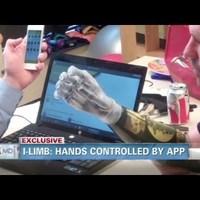 iPhone-irányítású robotkezével fogta meg lánya kezét