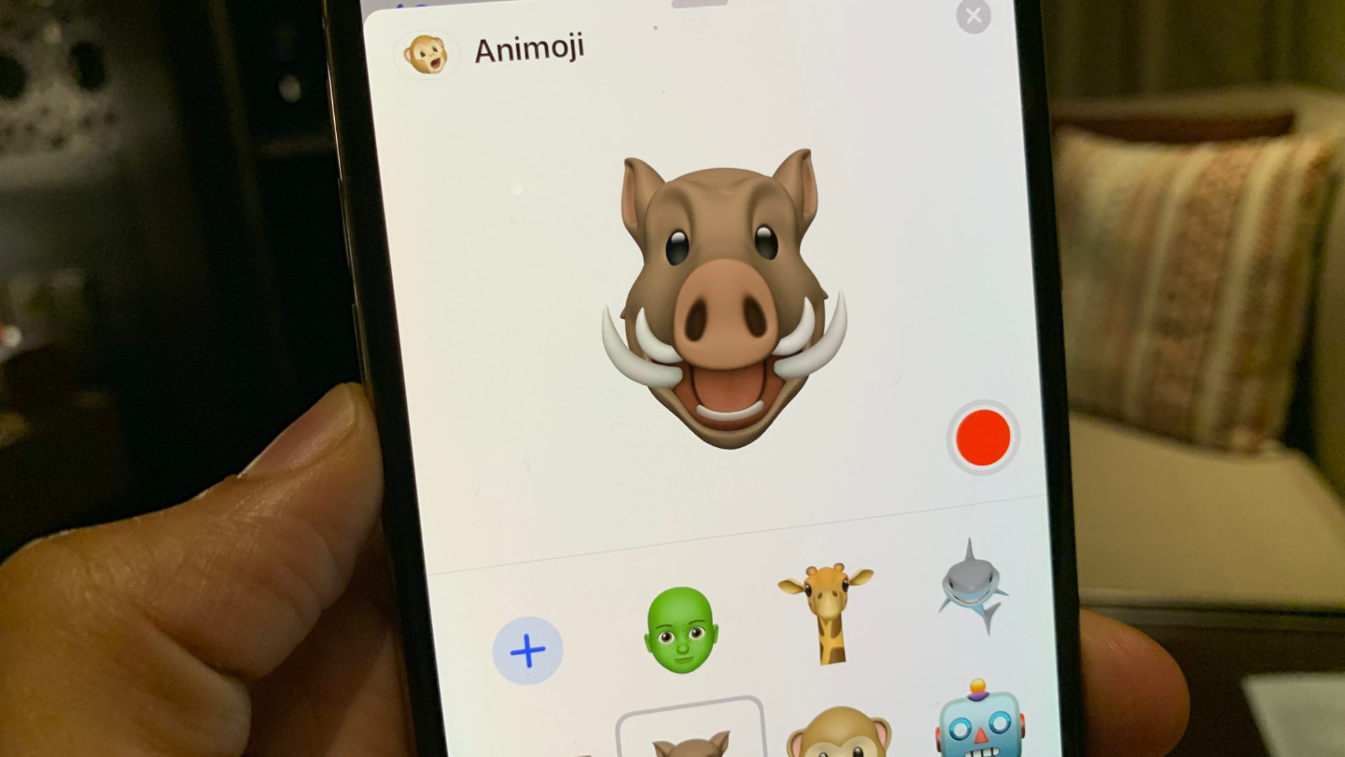 new-animoji-12_2-beta-warthog-giraffe-shark-owl.jpg