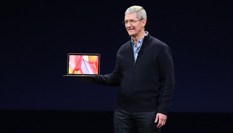 tim-cook-new-macbook-2-1037x691.jpg