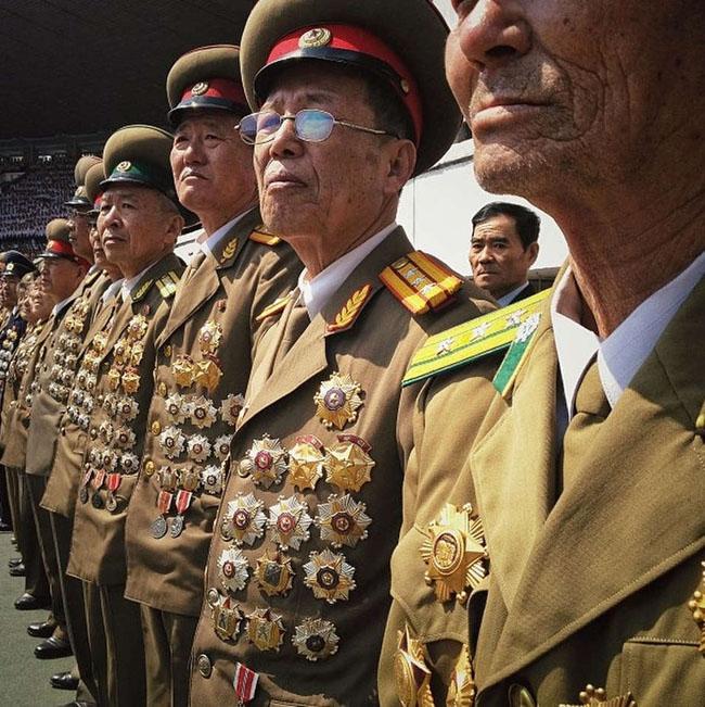 NorthKorea-soldiers-instagram-photoDavidGuttenfelderAP_1.jpg