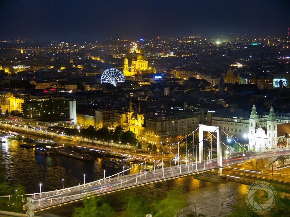 Hát igen...Budapest este csodaszép, ezzel mindenki egyetért ugye :)?