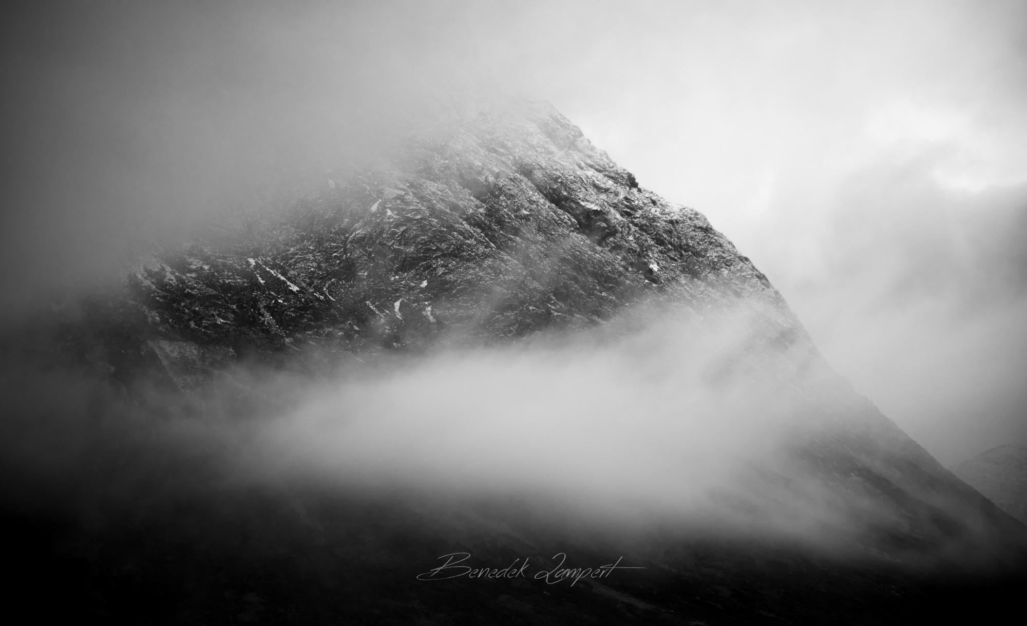 benedek_lampert_fog_bw_2.jpg