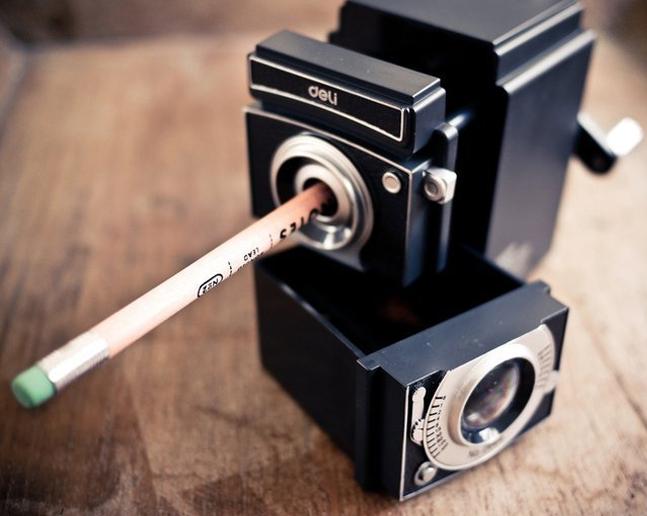 vintage-camera-pencil-sharpener.jpg