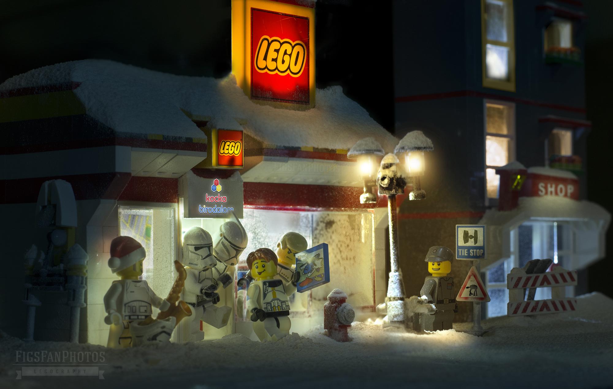 benedek_lampert_xmas_lego_store.jpg