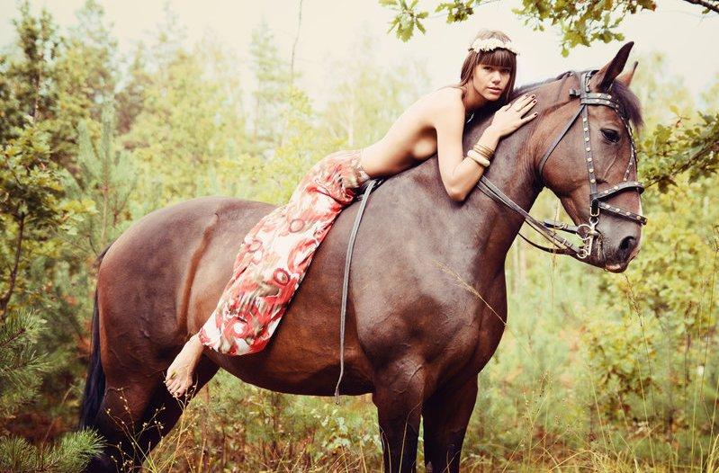 horse_woman.jpg