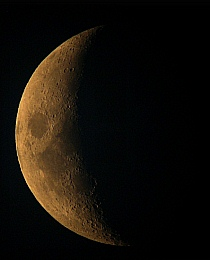 Hold képek