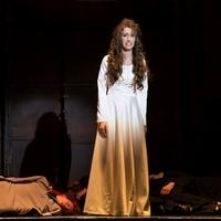 Egy női pápa története a József Attila Színházban