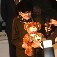 2 milliót ért Törőcsik Mari macija