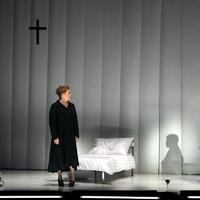 A Vígszínház Találkozás című előadása most Kínával találkozik