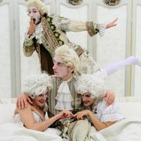 Balett gyöngyözőborral a pécsi színházban