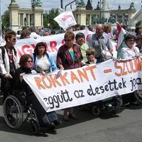 Rokkant-szolidaritás: ilyen volt a tüntetés (videófelvételek)