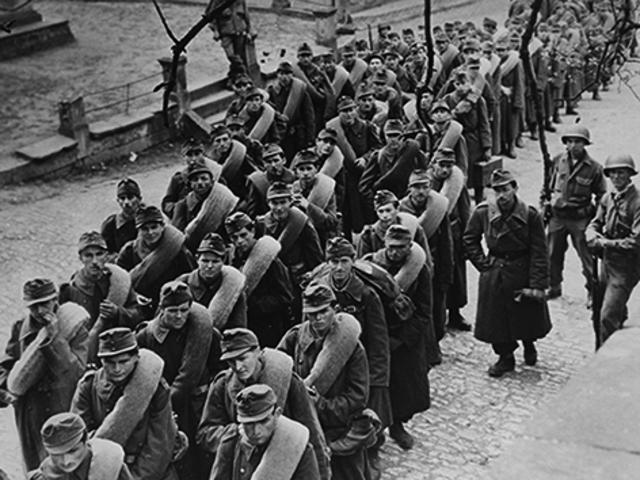 MAGYAR HADIFOGLYOK AMERIKAI FELÜGYELETŰ TÁBOROKBAN, 1945–1946