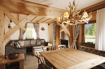 Wooden-Apartment-italy.jpg