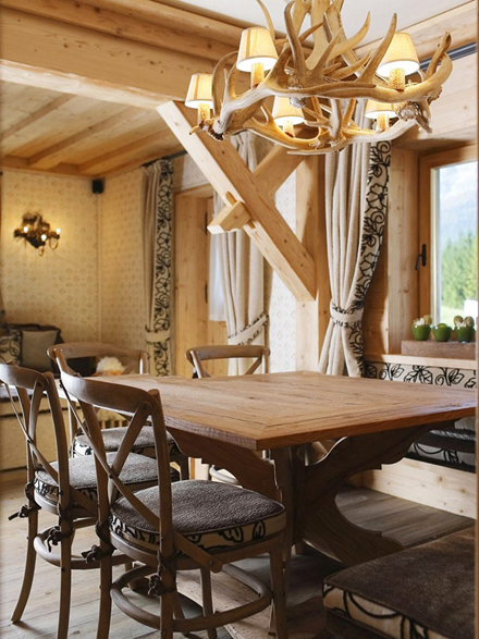 Wooden-Apartment-italy1.jpg