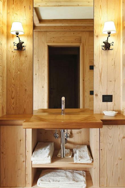 Wooden-Apartment-italy11.jpg
