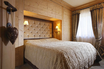 Wooden-Apartment-italy5.jpg