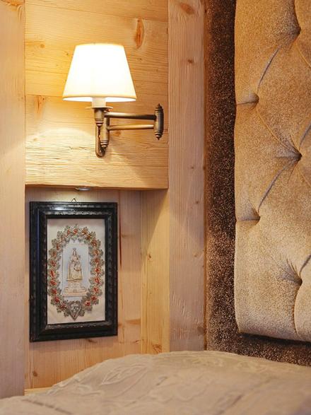 Wooden-Apartment-italy6.jpg