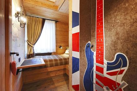 Wooden-Apartment-italy8.jpg
