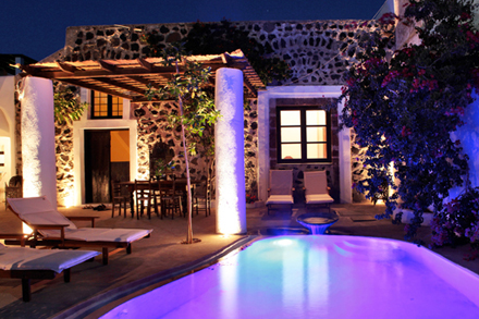 5158d6de67903modern-vacation-rentals-greece-exterior-6.jpg