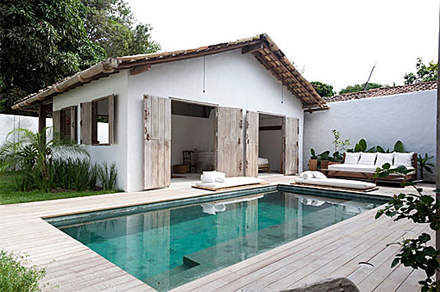 1modern-vacation-rentals-brazil-12.JPG