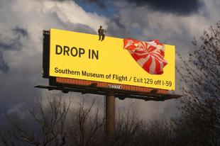 3 múzeumi reklám a levegőből