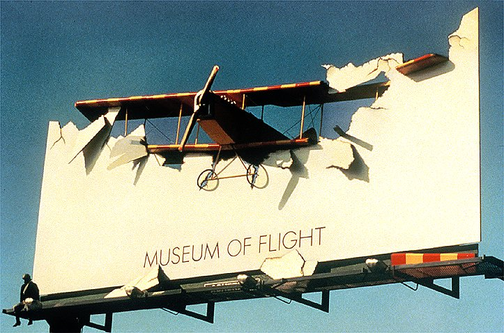 museum-crashed-plane-original-87299.jpg