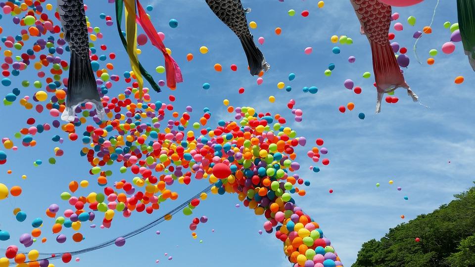 sky-koinobori-balloon-japan-childrens-day-1603383.jpg