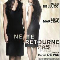 Ne nézz vissza! (Ne Te Retourne Pas, 2009)