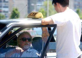 Taxisok beszélgetés
