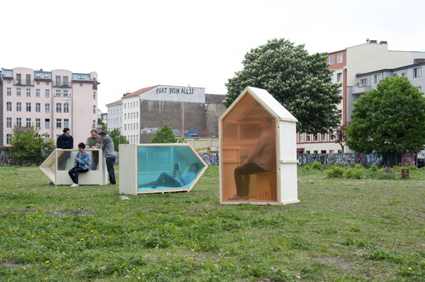 World's-Smallest-House-Takes-Only-1-Square-Meter-01.jpg
