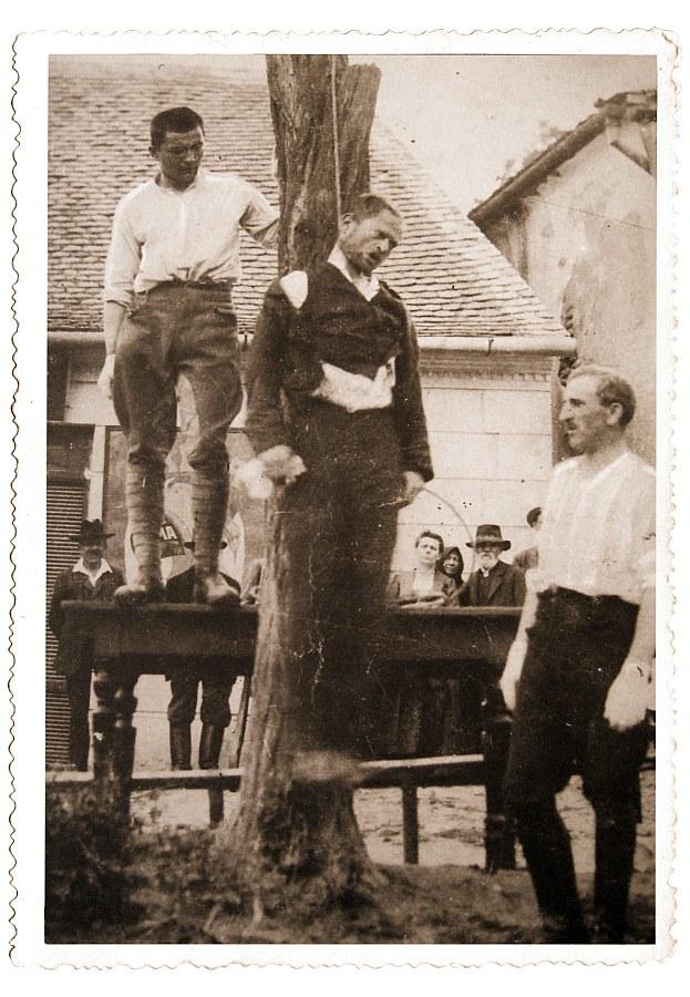akasztas_tabon-1919_aug.jpg