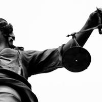 Van-e értelme jogokat védeni?