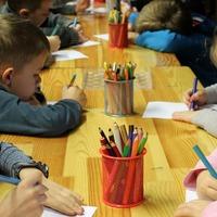 Hiába várnak szakvéleményre a szülők, akik még egy évig óvodában tartanák gyereküket