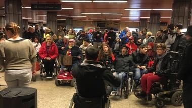 A kormánynak meg kell mondani, hogy mit tett a fogyatékossággal élő emberekért