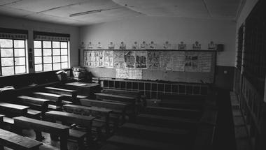 Iskolabezárás: erre a 8 kérdésre haladéktalanul választ kell adnia a kormánynak