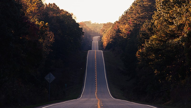 Ne dőlj be az önkormányzati képviselődnek, ha százmilliós útfelújítást ígér