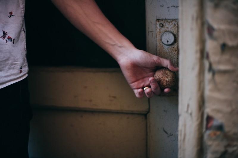 buidling-door-knob-arms_1.jpg