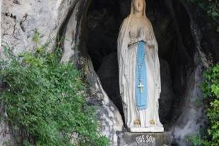 Valóban történnek csodák Lourdes-ban?