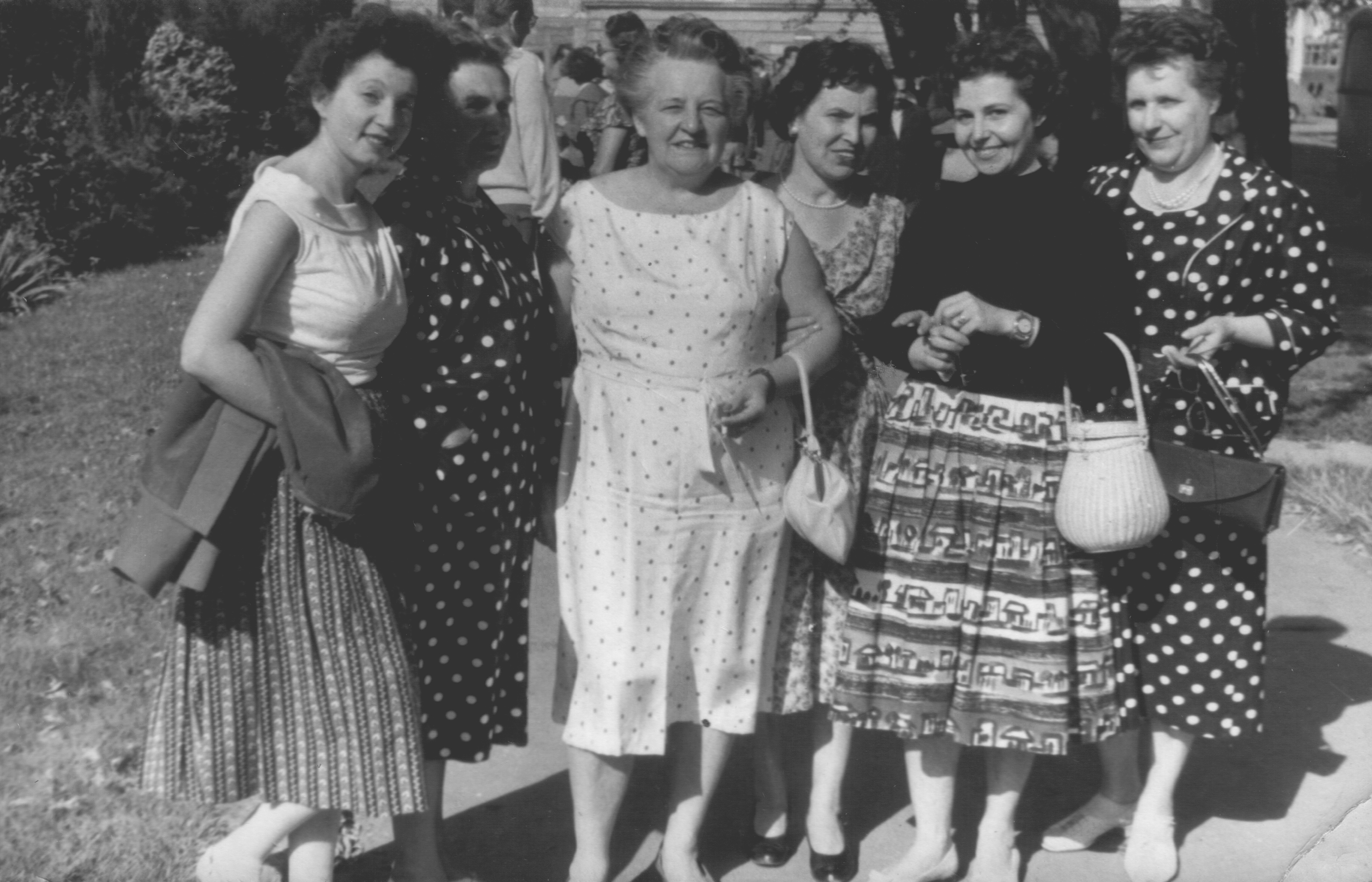 1960_08_17_papi_maria_textiljatek_pozsony1960viii17igazan.JPG