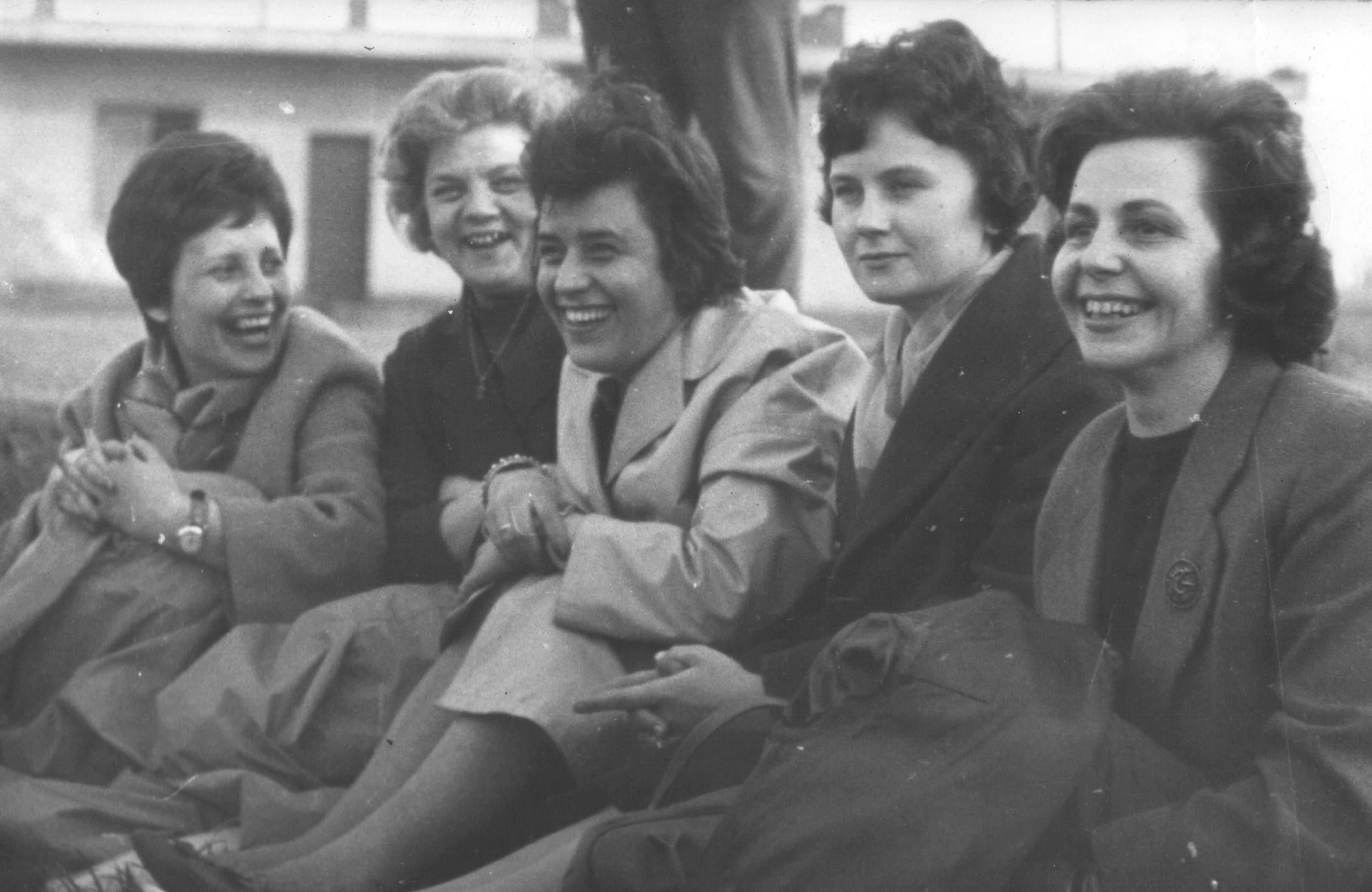 1960_papi_maria_anyu_textiljatekbeliekkel.JPG