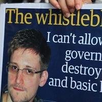 Global Voices: Kicsoda Edward Snowden?
