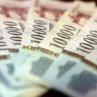 Négy tárca is osztott tavaly jutalmat vagy céljuttatást