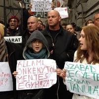 Nem mondja meg a Fidesz, mégis milyen kárt okoztak a székházfoglalók