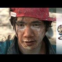 A hét videója: természetrombolás és rabszolgamunka az olcsó kütyük ára