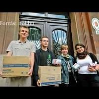 Tiltakozás és segítségnyújtás 45 ezer krétával - Szabad Oktatást csoport