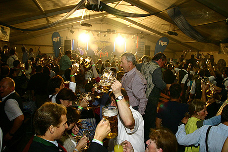 Oktoberfest - ahol az ungarische fotóért csók jár